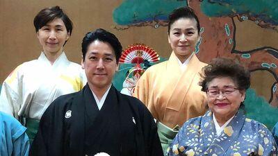 和泉元彌一家のゴッドマザー「心の血はたくさん流しました」