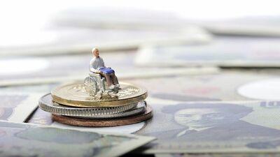 「親の介護費用節約のために私が仕事をやめて在宅介護すべき?」~専門家が答えます