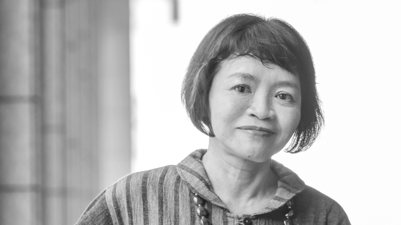 斎藤美奈子「アン、ハイジ、ジュディ…翻訳少女小説の主人公たちは、今も輝きながら読者を挑発し続ける」