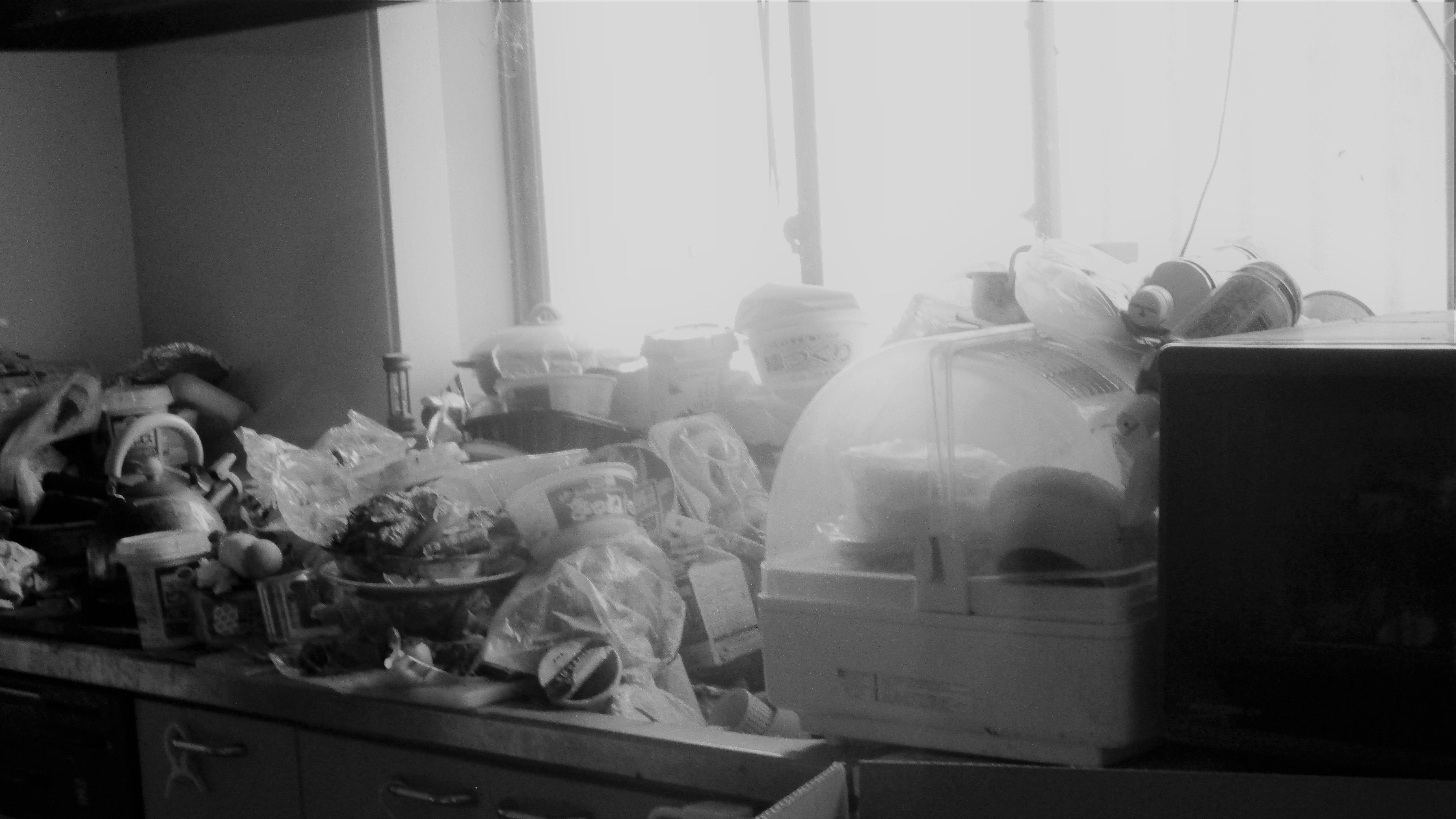 認知症になった一人暮らしの親族の家がゴミ屋敷に! 突然叫び声をあげた作業員が見たものとは