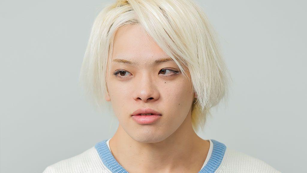 D japanese「いじめられっ子の僕がフォロワー245万人のインスタグラマーになるまで」