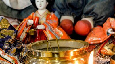 人の思いを受け止めてきた雛人形やぬいぐるみは寺院で供養