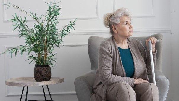 「なぜ人は年を取ると孤独になるのか」誰もが直面する悩みに破天荒な和尚が答えます