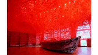 日本海を望む最涯の地で美術の最先端に触れる