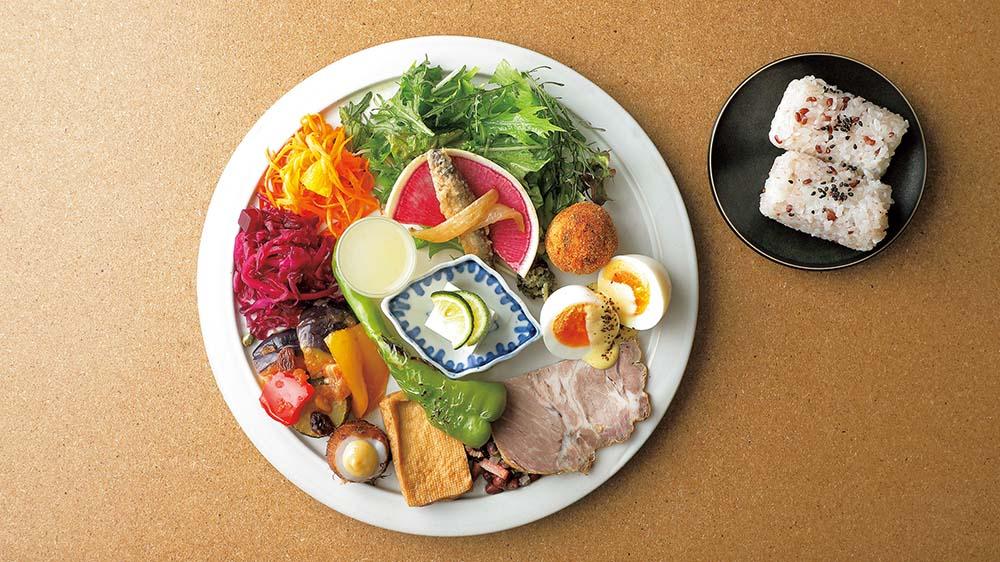 【おすすめランチ】明るく開放的な空間で、生産者が大切に育てた食材を活かしたフードを ~ENFUSE
