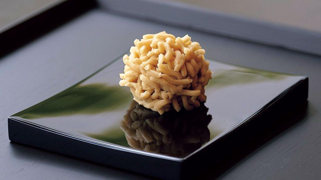 【京の菓子】新栗をふんだんに使ったこの季節だけの味 〜とらや 京都一条店「栗粉餅」