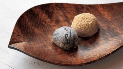 【京の菓子】やわらかいのに弾力がある独特の触感  ~とま屋「わらび餅」