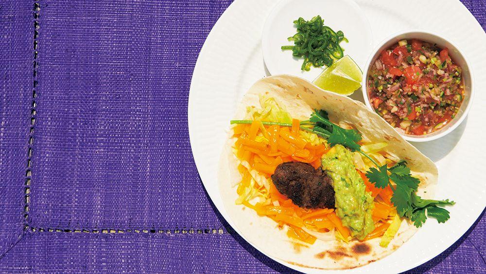 【レシピ】暑い夏こそメキシカンランチ! 野菜も肉もたっぷり食べられる「トルティーヤ」の作り方