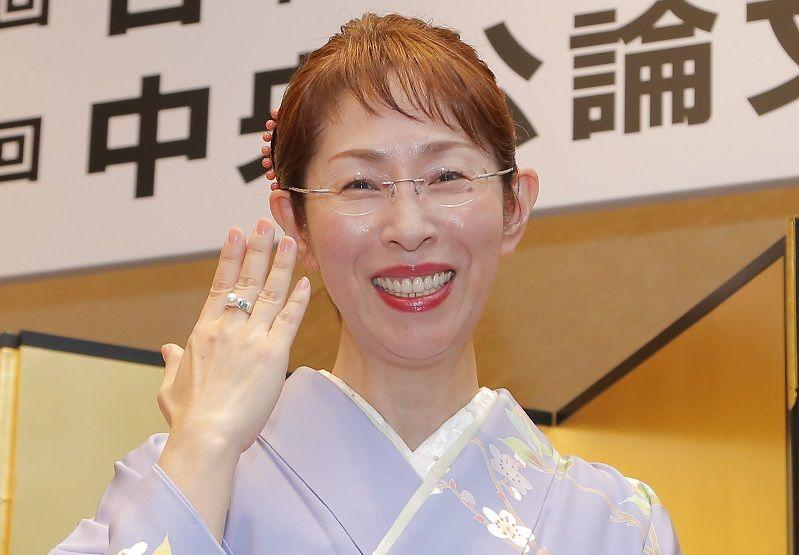 桜木紫乃「人生楽しいことだらけです」《中央公論文芸賞・贈呈式》